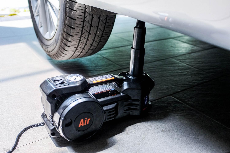 thiết bị nâng xe ô tô