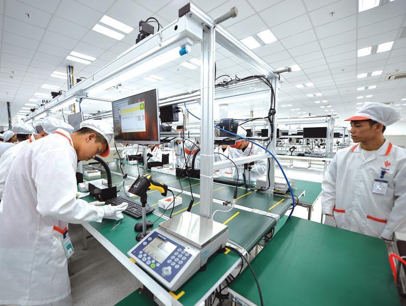 Bàn thao tác cho nhà máy sản xuất điện thoại